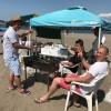 日曜日も真夏のビーチBBQ