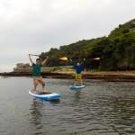 三浦海岸SUPで漕いでます。