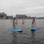 女子に大人気のスタンドアップパドルボード、体験申し込みは三浦海岸
