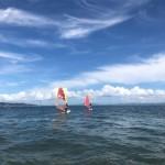 真夏の空の下ウインドサーフィンスクールとSUPスクール