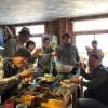 牡蠣小屋と海遊び