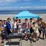 三浦の海と青空とビーチBBQ